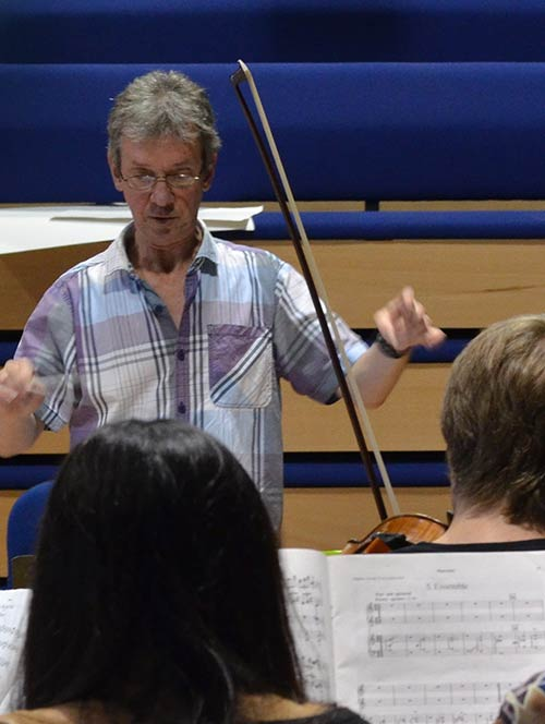 Mark Lawrence in rehearsal